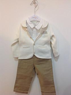 Koszula, kremowa marynareczka i spodenki dla chłopca