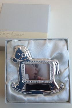 srebrzysta ramka na zdjęcie, w kształcie konia